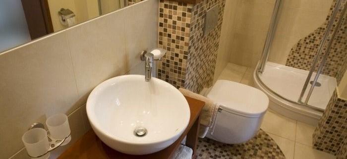 Consigli per ristrutturare un bagno piccolo tassonedil for Arredamento per bagno piccolo