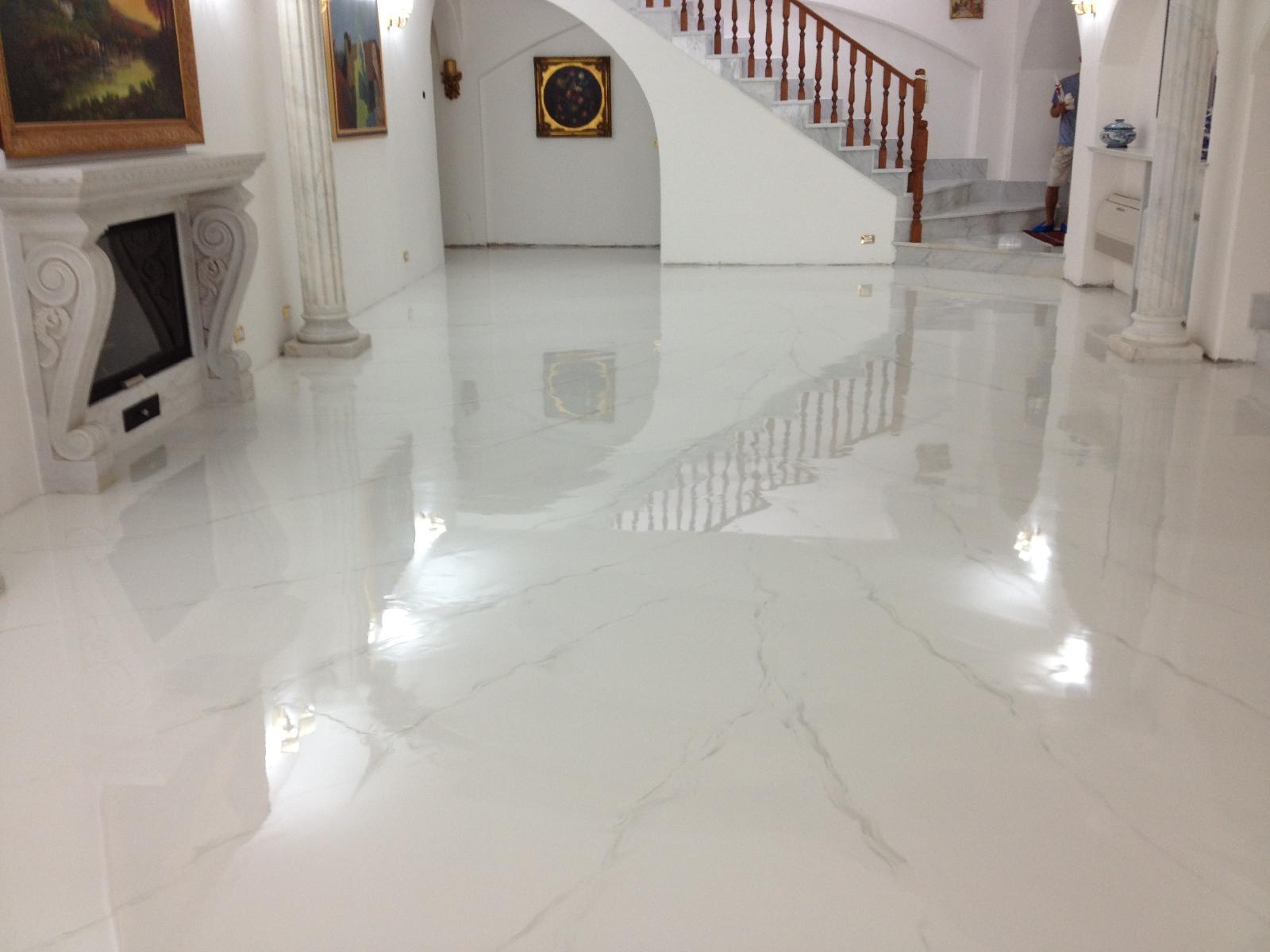 Pavimenti in resina i vantaggi tassonedil - Resine per bagni prezzi ...