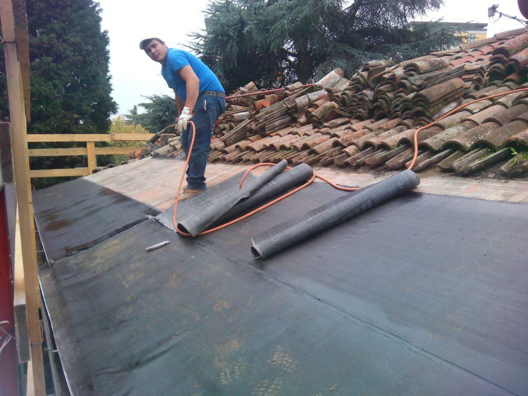 Rifacimento tetto: per una corretta impermeabilizzazione - TASSONEDIL