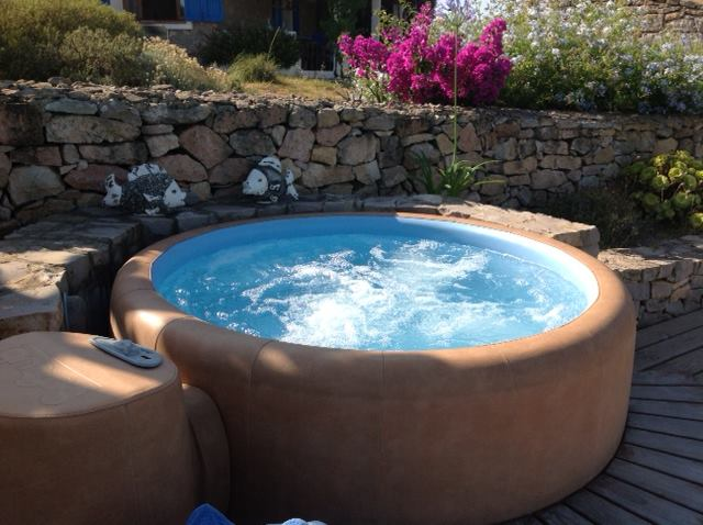Minipiscine e vasche idromassaggio da esterno - TASSONEDIL