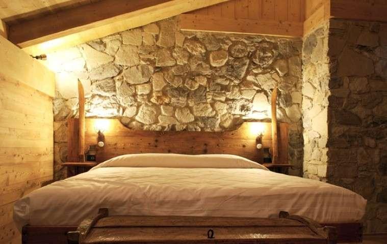 Chalet da ristrutturare ecco come mantenere lo stile alpino senza rinunciare alla modernit - Stanza da letto romantica ...